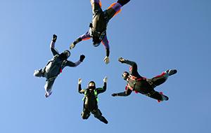 free falling sky divers